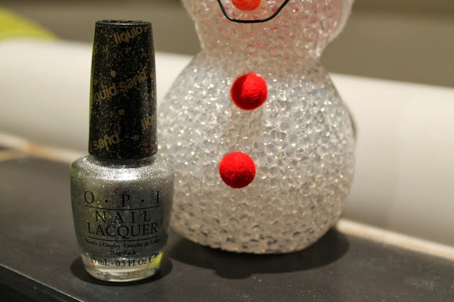 Mariah Carey OPI Christmas Collection Its Frosty Outside Swatch