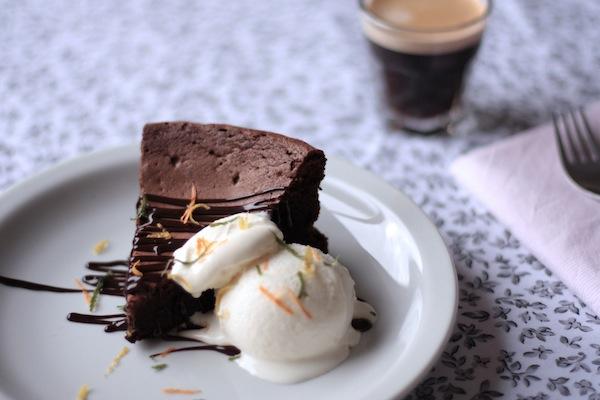 Ro Guaraz · torta de chocolate y café sin harina · 06