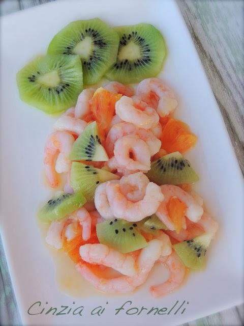 arancia kiwi gamberetti