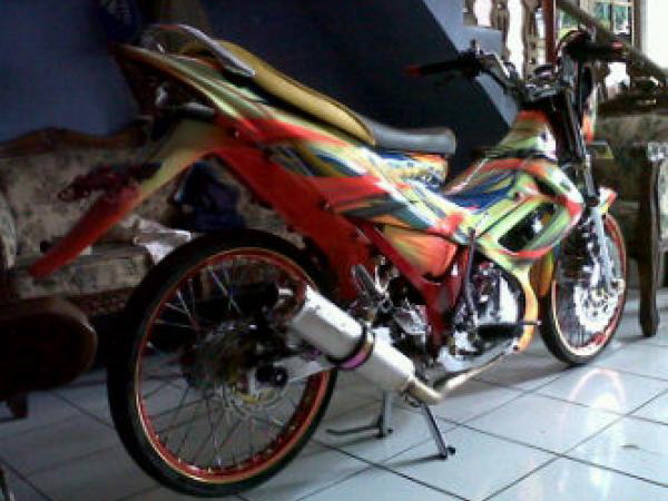 Modifikasi Satria FU 150 Airbrush Motif Grafis title=