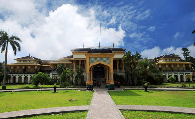 Objek Wisata Medan - Istana Maimun
