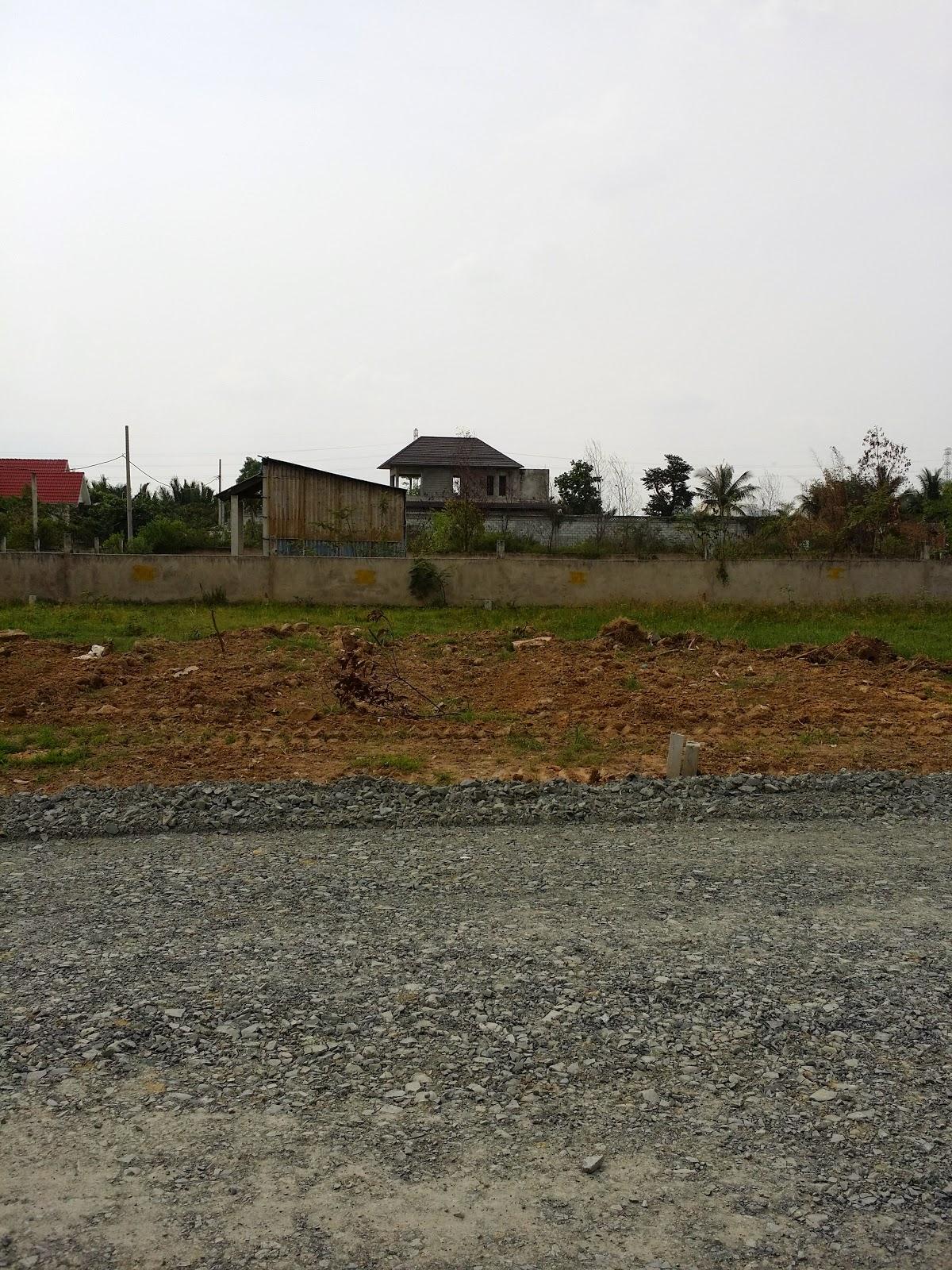 Đất nền ngay vòng xoay Phú Hữu đường vào biệt thự