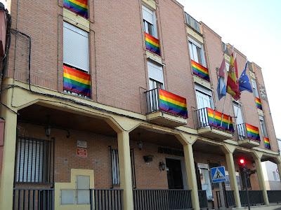 Bandera del Orgullo en el Ayuntamiento de Algete