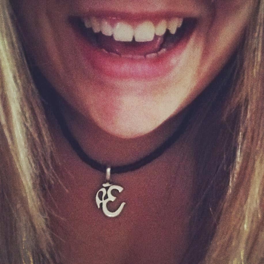 Sonríe, Rie