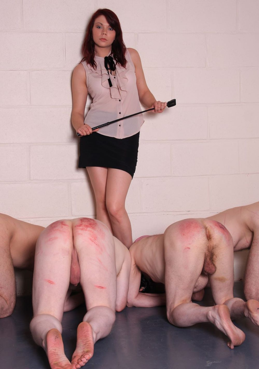 Mistress punishes slave sexy young girls