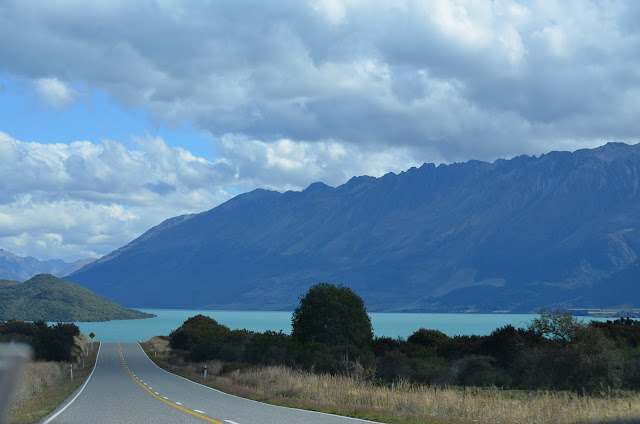 Lake Wakatipu stretches out on the right on the way to Queenstown, New Zealand