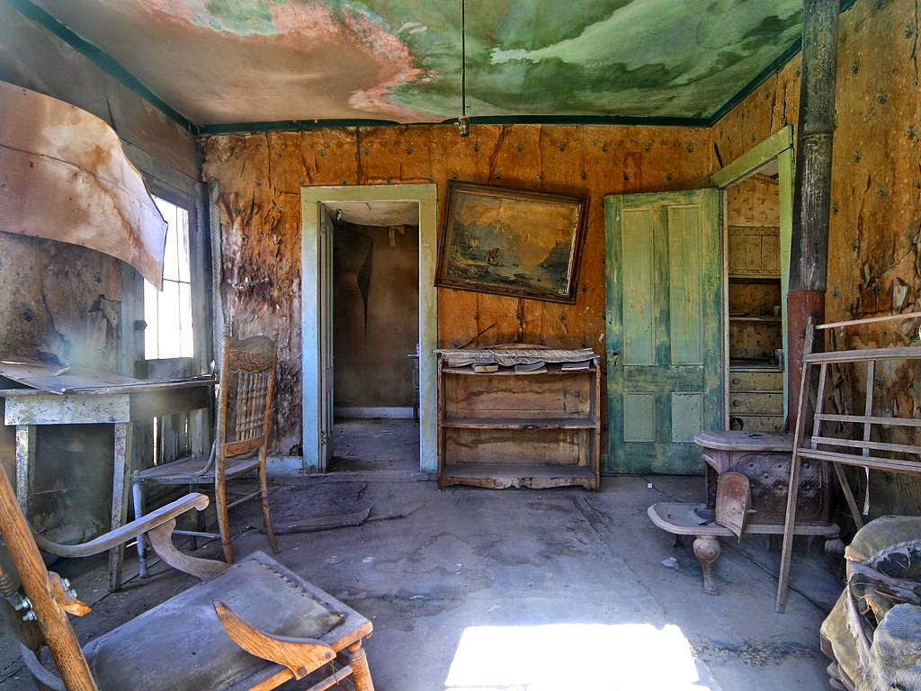 Murcia tierra de misterios las casas abandonadas pueden for Casas de muebles en madrid