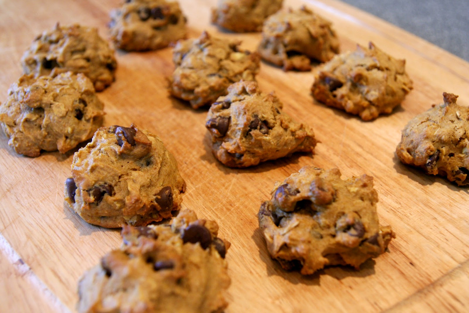 ... ~ Churned in Cali: Healthy Pumpkin Oatmeal Chocolate Chip Cookies