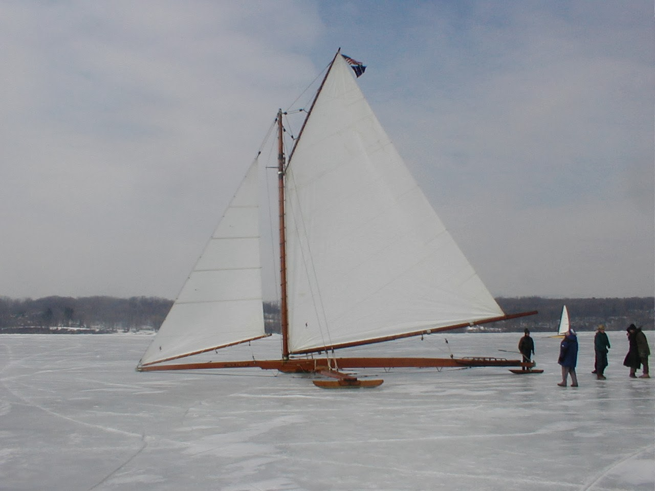 how to build an ice box on a boat