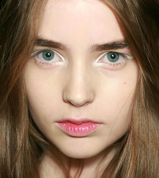 White Eyeliner Highlights