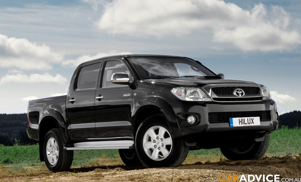 auto carz zone: 2012 Toyota Hilux wallpapers