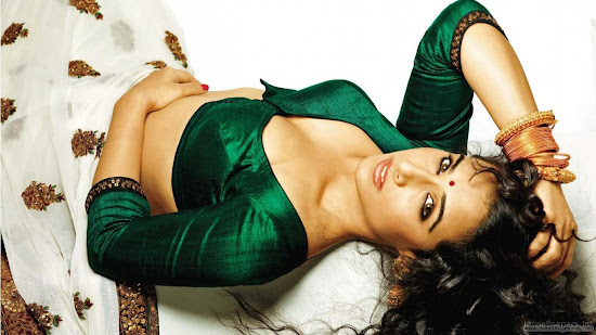 Vidya Balan Dirty Picture Bollywood Movie Wallpaper-2011