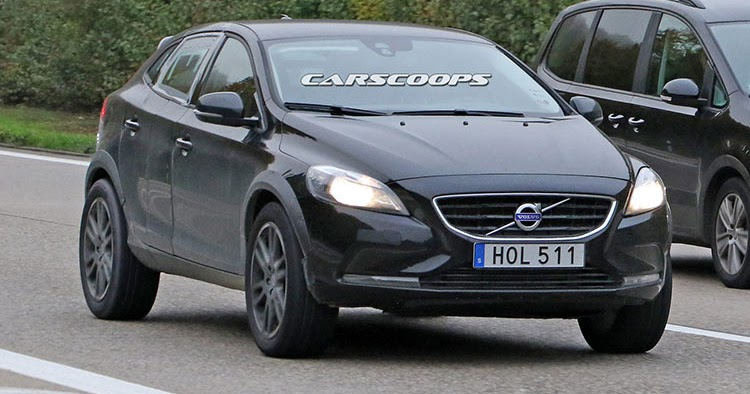 Mule Shows That Volvo's New XC40 pact SUV Is Its Way