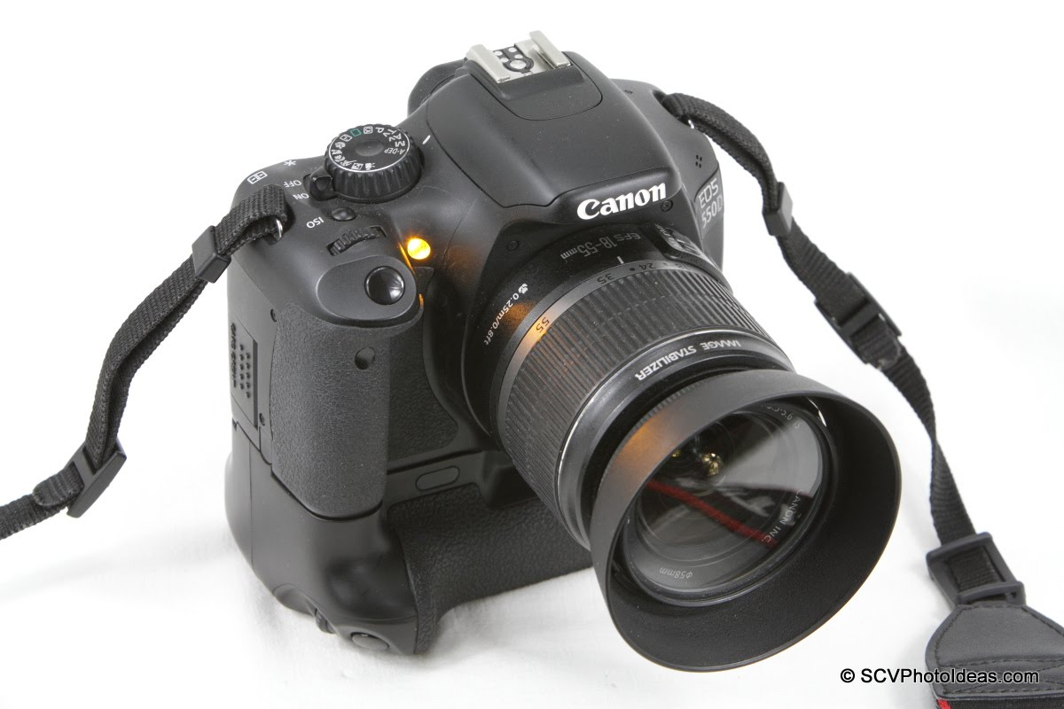 Canon EOS 550D with Focus Assist beam lit.