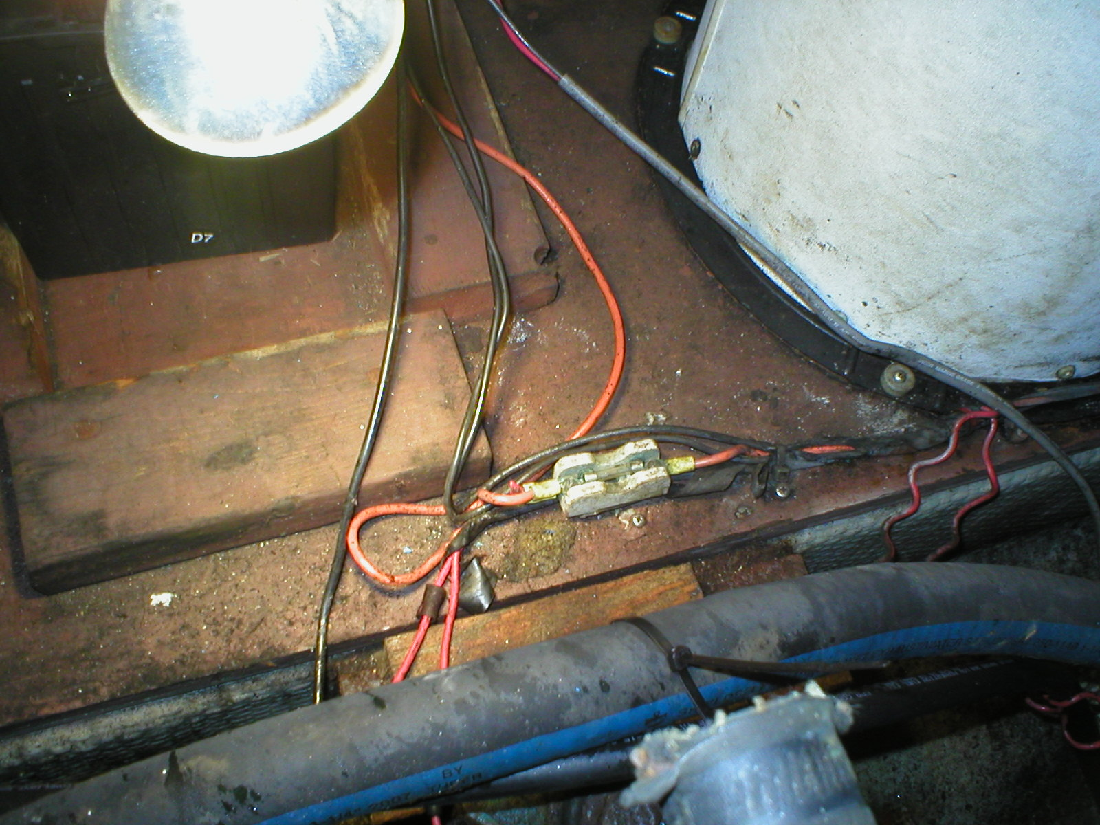 Silverton 34c Why Some People Should Never Wire A Boat Shed Wiringjpg The Wiring For It Was Mess And Its Among That Tangle We Found 8 Inch Length Of With Four Butt Connectors In Showed At