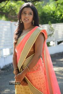 Actress-Eesha-New-Stills-in-Saree
