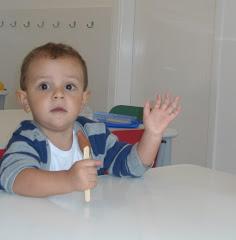 Meu pequeno na sua primeira experiência na escolinha!!!