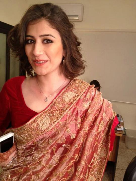e - Syra yusaf new look after wedding