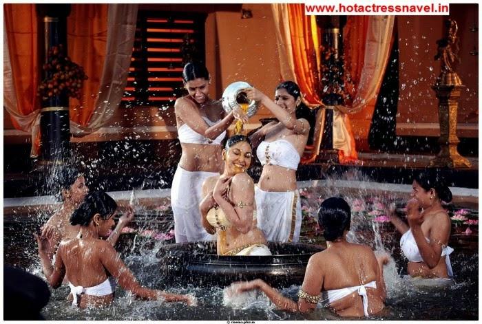 Pooja Chopra and Divya Parameshwaran Hot Navel Show and Hip Show In Rajakota Rahasyam Set 4