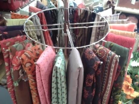 Fulares estampados y lisos, de punto, seda, etc. y bufandas.
