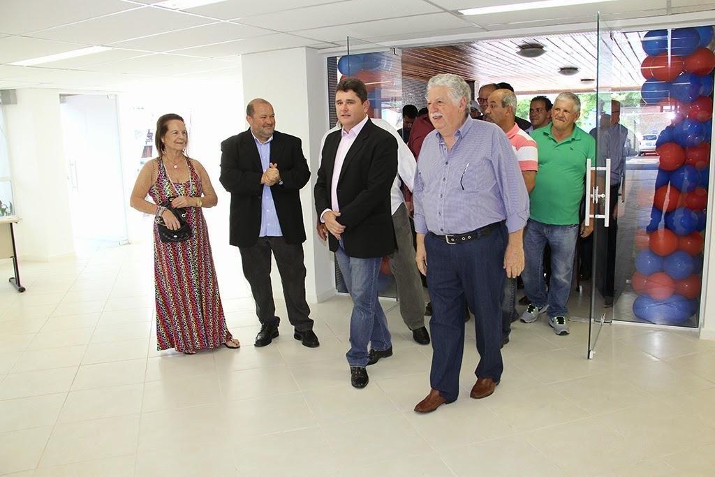 Na inauguração das obras de reforma do centro administrativo: vice-prefeito Márcio Catão, dona Rose e Celso Dalmaso e o prefeito Arlei