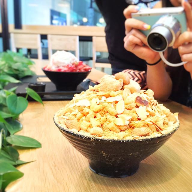 Nunsaram Korean Dessert Cafe - Injeolmi Bingsu
