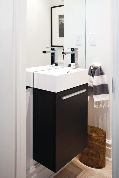 Очень аленькая ванная комната