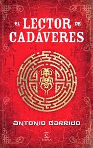 Portada original de El lector de cadáveres, de Antonio Garrido