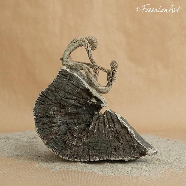 Scultura in corda, sabbia e legno