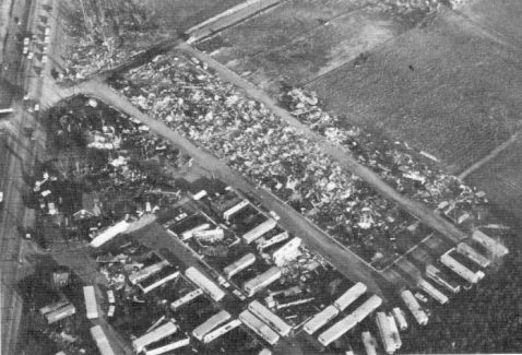 1965 Palm Sunday Tornado Outbreak Midway Mobile Home Park on odd mobile home, ace mobile home, scary mobile home, jay mobile home,
