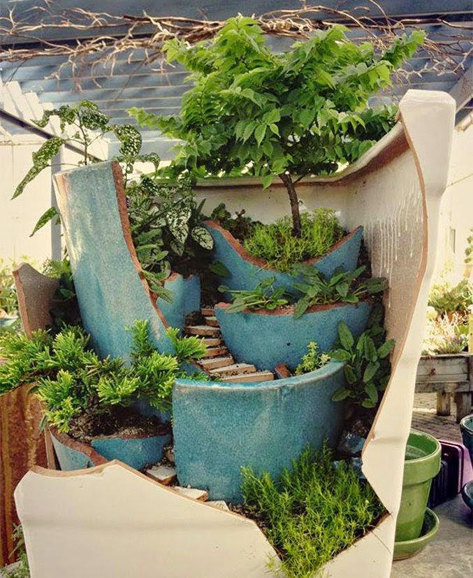 Jardines hechos con macetas rotas recicladas quiero m s - Jardin con macetas ...