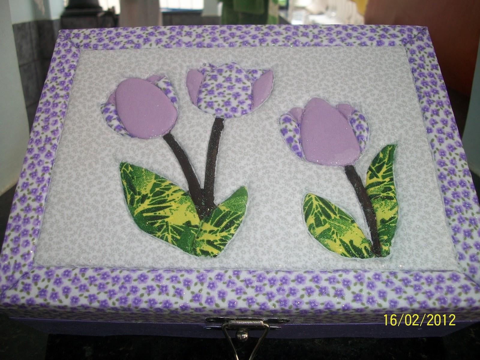 Rossana Artes: Caixa de madeira decorada com tecido #426734 1600x1200