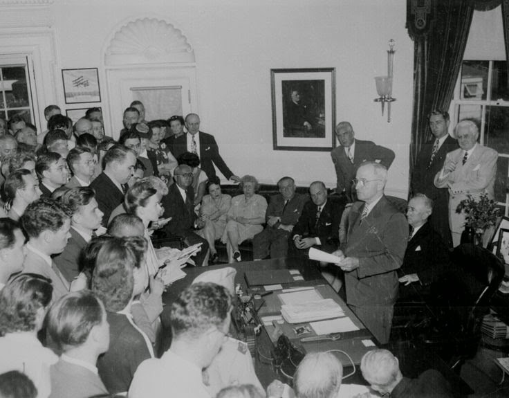 Harry Truman announcing Japan's surrender White House Washington DC, 14 Aug 1945 worldwartwo.filminspector.com