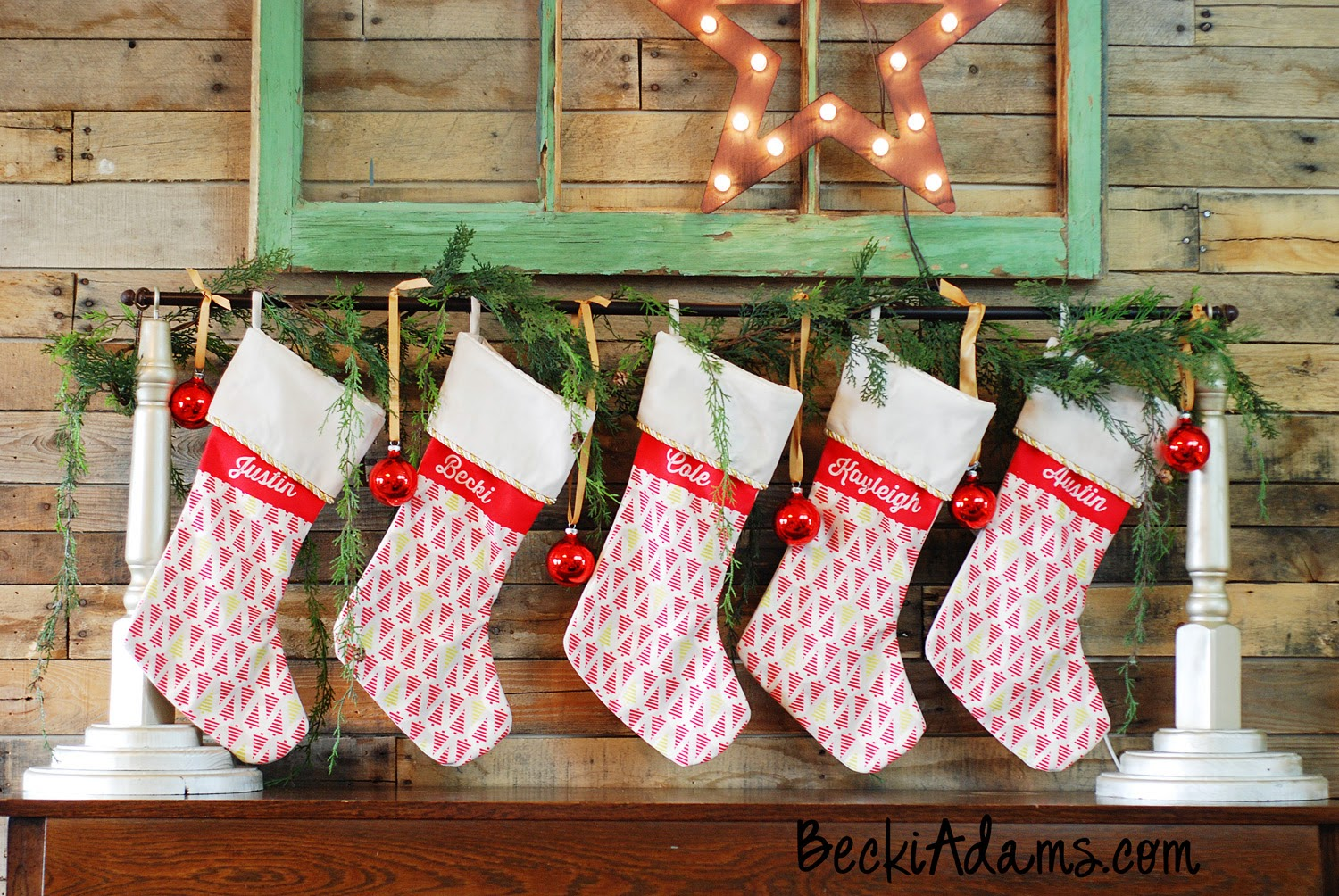 DIY Stocking Holder by @jbckadams with a tutorial #DIYstockingholder #stockings #Christmasstockings #stockinghanger