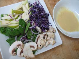 Weight Loss Recipes : Spinach and Pear Salad with Dijon Mustard Vinaigrette