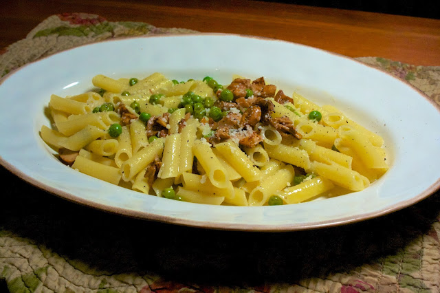 Chanterelles & Peas Pasta