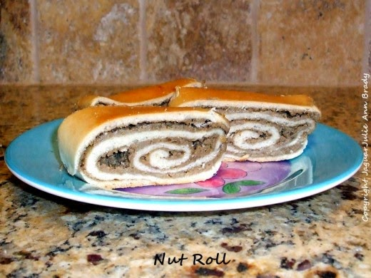 bubbas homebaked nut roll