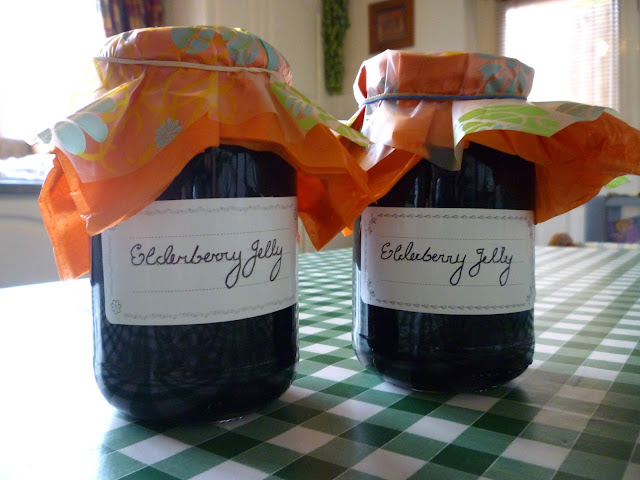 elderberry jelly via lovebirds vintage