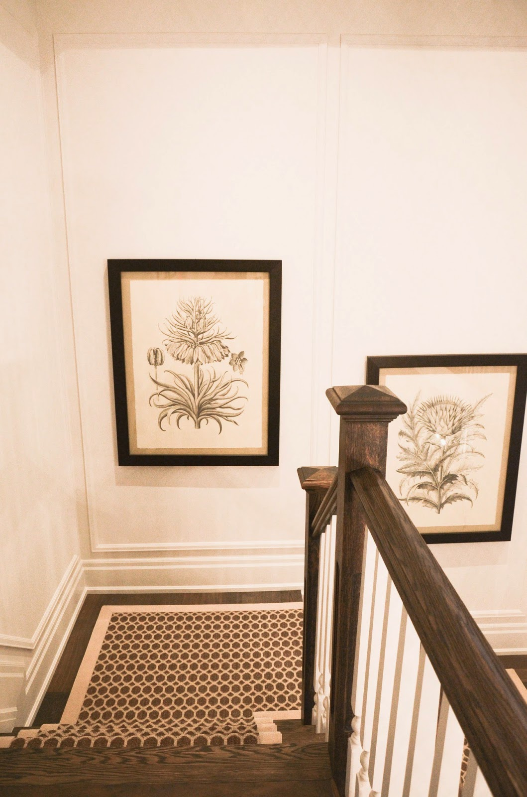 PMLOTTO KLEINBURG SHOWROOM: Grand scale art on stairways