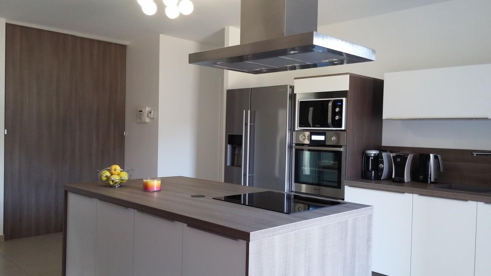 cuisine bois mobalpa. Black Bedroom Furniture Sets. Home Design Ideas