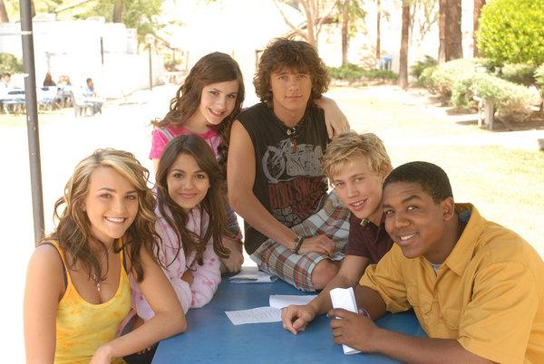 This Is What The Cast Of Zoey 101 Looks Like Now