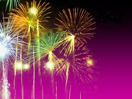 Diwali fireworks wallpapers animated diwali crackers pictures to make your diwali more happening choose the diwali firework or diwali crackers wallpapers with greeting cards for your loved ones m4hsunfo Image collections