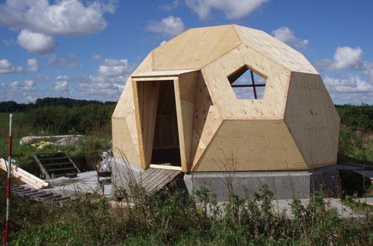Autocostruzione easy dome icosaedri prefabbricati e for Piani casa efficienti