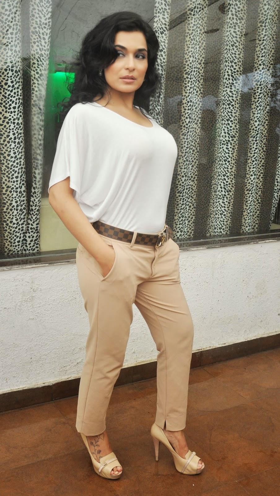 Meera Chopra Pics Images Of Fakes