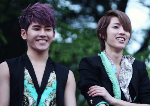 Hoya and Sungyeol Infinite