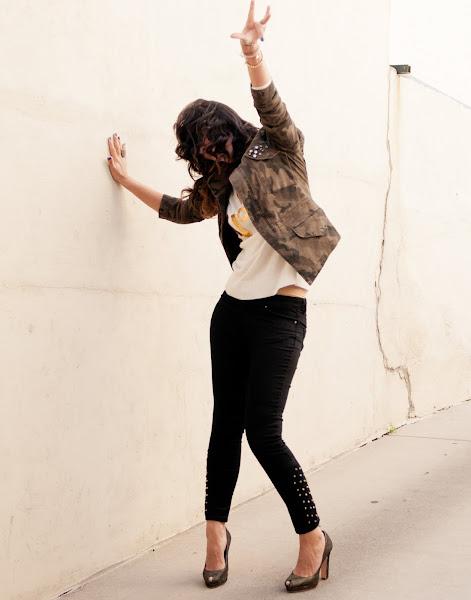 Bryan Whitely street style photos of Fashion Junkie Jessica Moazami, Building a capsule wardrobe wearing WildFox