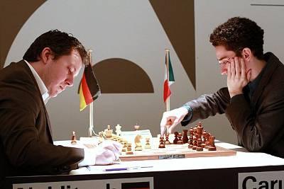 Echecs : Arkadij Naiditsch (2716) 0-1 Fabiano Caruana (2757) au Grenke Chess Classic Baden-Baden 2013