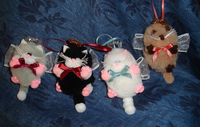 Better budgeting homemade christmas ornaments pom poms for Cat christmas ornaments craft