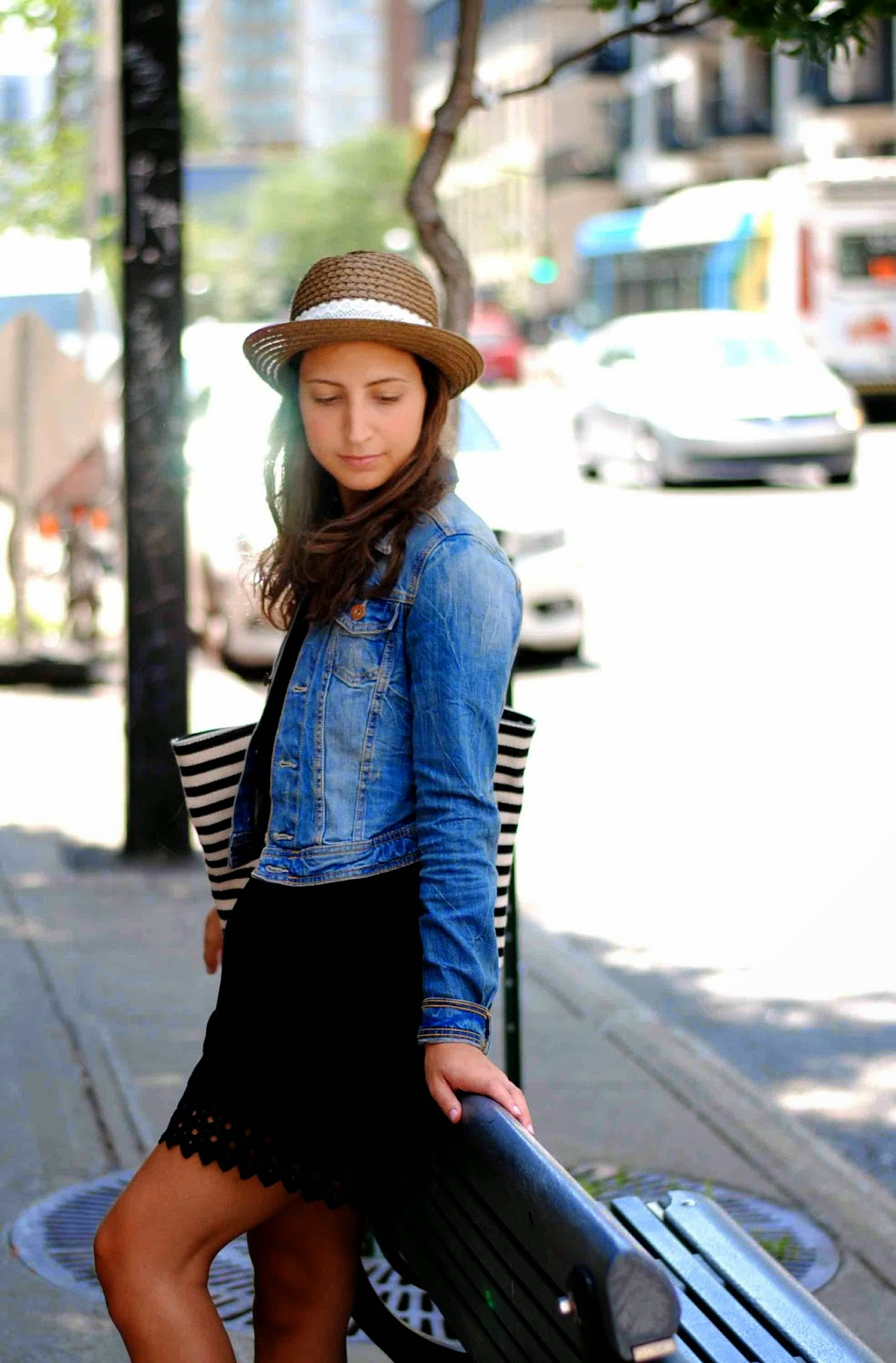 summer fashion dress denim jean jacket birkenstocks straw hat striped tote