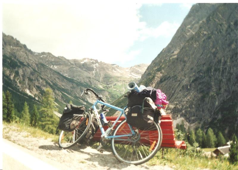 Alpii%2Bparadisul%2Bcicloturistilor.jpg
